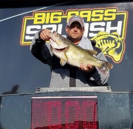 10.98 lb Bass Wins Big Bass Splash Lake Guntersville, AL
